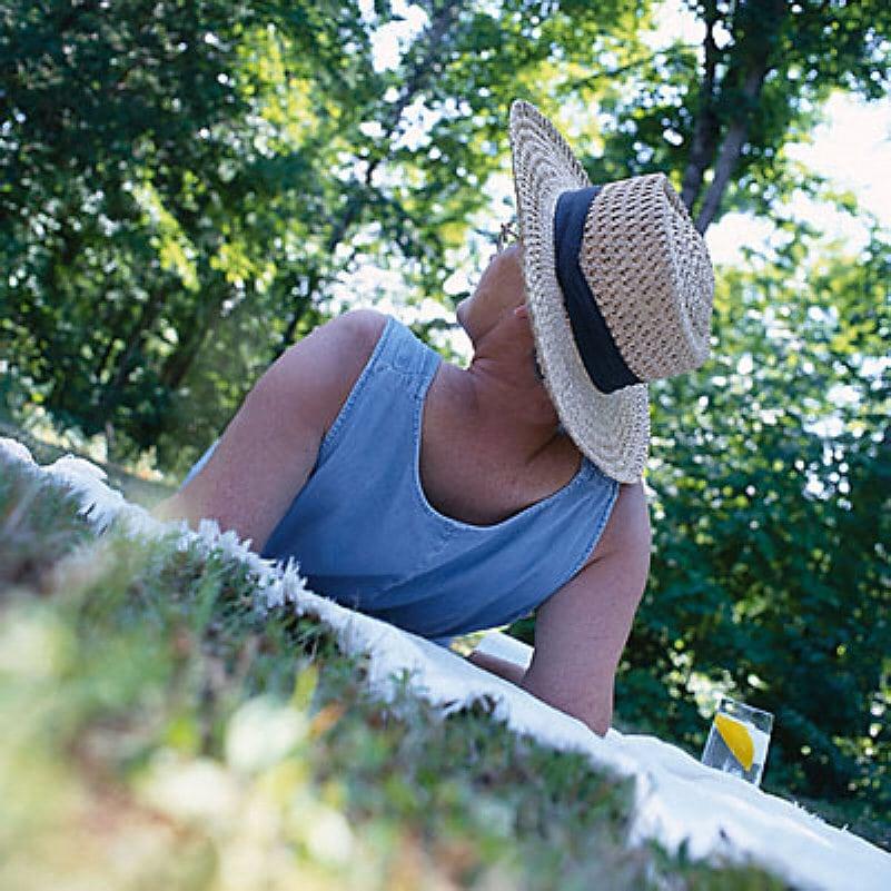 woman on picnic blanket uid 1187294